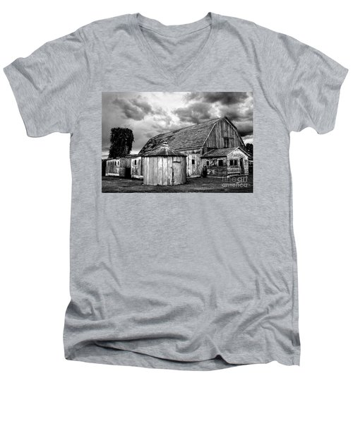 Barn 66 Men's V-Neck T-Shirt