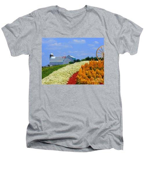 Barn And Quilt Garden Men's V-Neck T-Shirt
