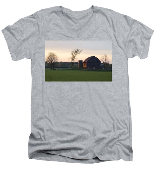 Barn At Dusk Men's V-Neck T-Shirt