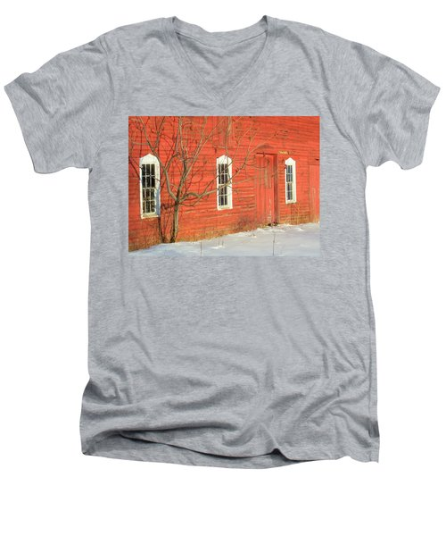 Men's V-Neck T-Shirt featuring the photograph Barnwall In Winter by Rodney Lee Williams