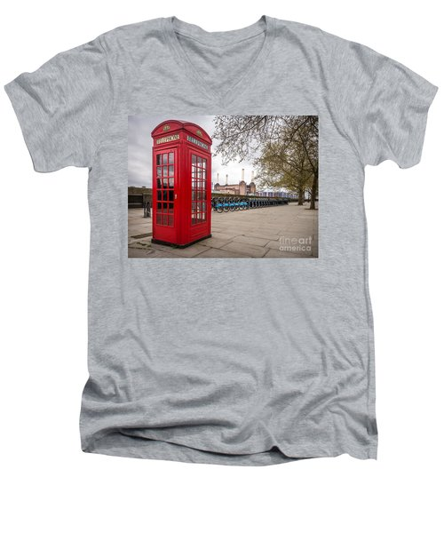 Battersea Phone Box Men's V-Neck T-Shirt