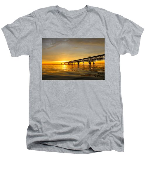 Bay Bridge Sunset Glow Men's V-Neck T-Shirt
