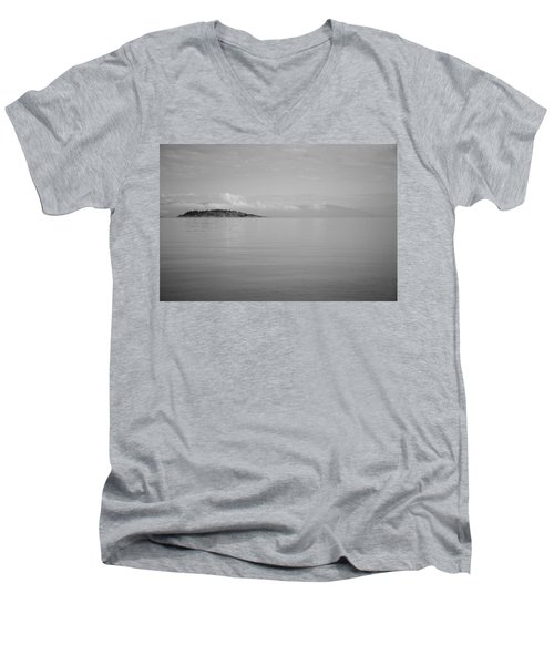 Be Still My Ocean  Men's V-Neck T-Shirt