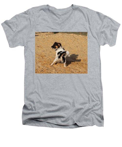 Beach Dog Pose Men's V-Neck T-Shirt