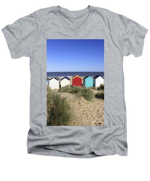 Southwold Beach Huts Uk Men's V-Neck T-Shirt