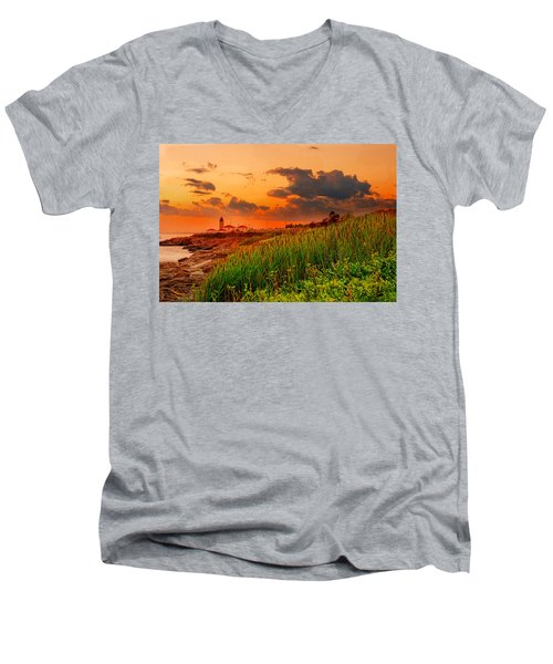 Beavertail Spectacular- Beavertail State Park Rhode Island Men's V-Neck T-Shirt