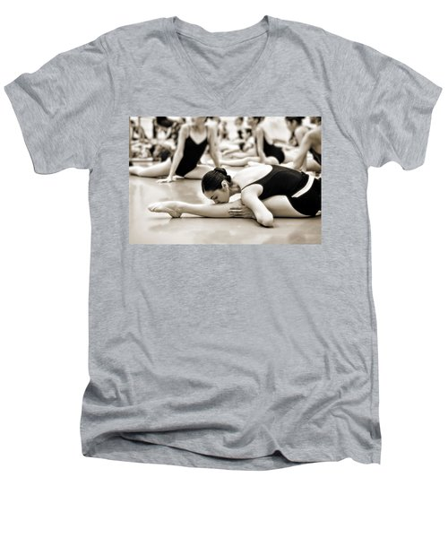 Belle Ballerina Men's V-Neck T-Shirt