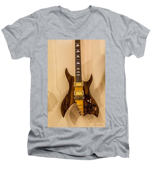 Bich Electric Guitar Colored Men's V-Neck T-Shirt