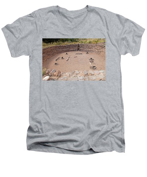 Big Kiva Bandelier National Monument Men's V-Neck T-Shirt