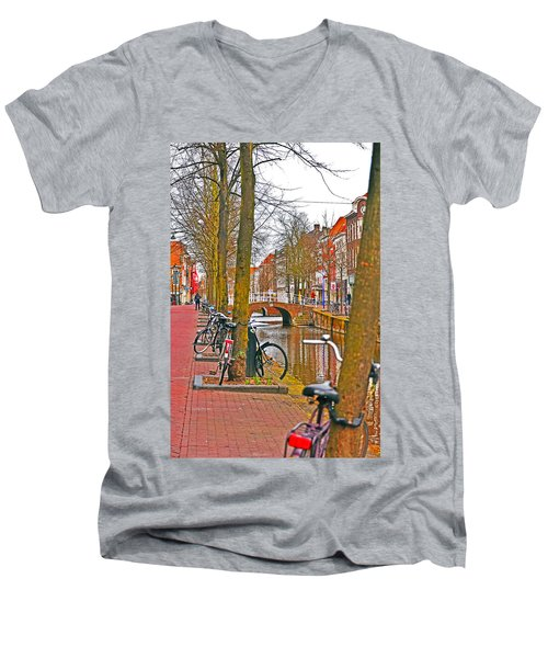 Bikes And Canals Men's V-Neck T-Shirt