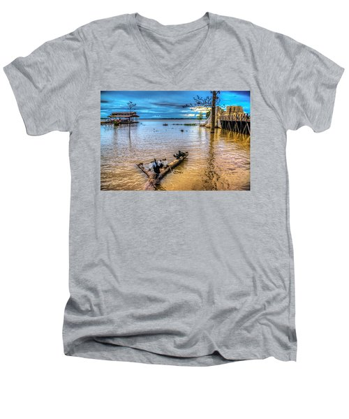 Birds On Log Men's V-Neck T-Shirt