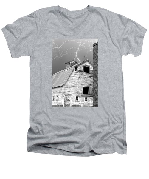 Black And White Old Barn Lightning Strikes Men's V-Neck T-Shirt