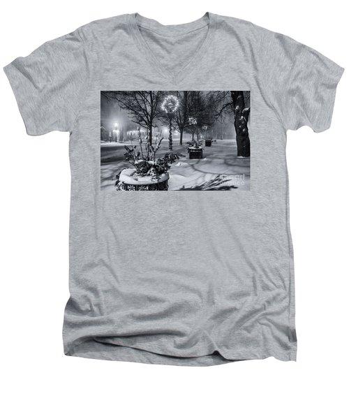Blustery Winter Night Men's V-Neck T-Shirt