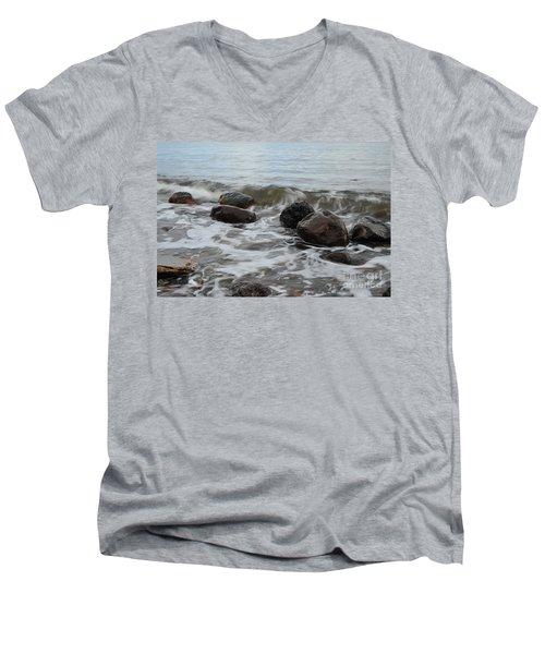 Boulders Men's V-Neck T-Shirt
