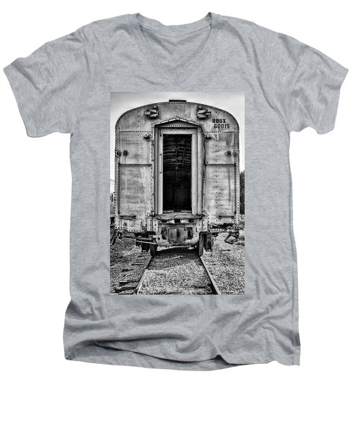 Box Car In Bw Men's V-Neck T-Shirt