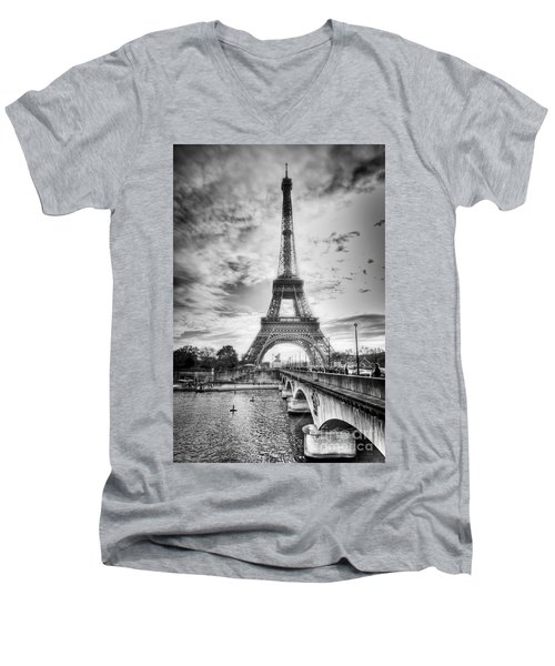 Men's V-Neck T-Shirt featuring the photograph Bridge To The Eiffel Tower by John Wadleigh