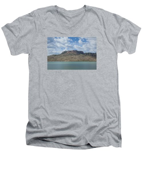 Buffalo Bill Reservoir Men's V-Neck T-Shirt