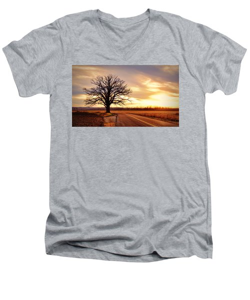 Burr Oak Silhouette Men's V-Neck T-Shirt
