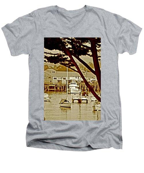 California Coastal Harbor Men's V-Neck T-Shirt