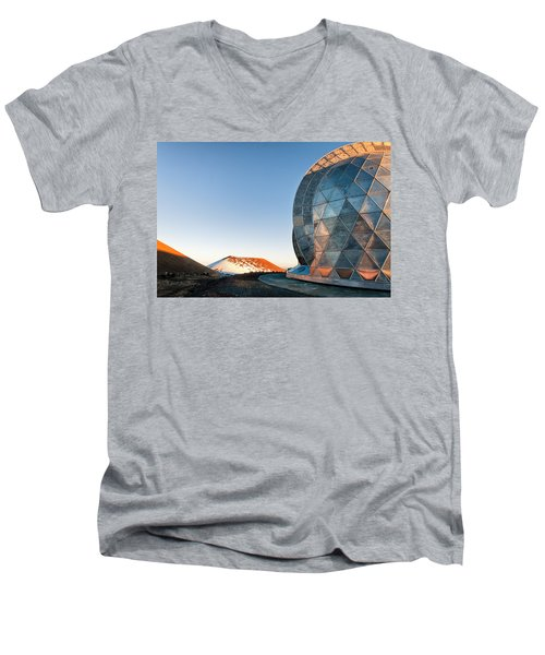 Men's V-Neck T-Shirt featuring the photograph Caltech Submillimeter Observatory by Jim Thompson