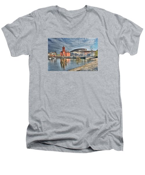 Cardiff Bay Textured Men's V-Neck T-Shirt