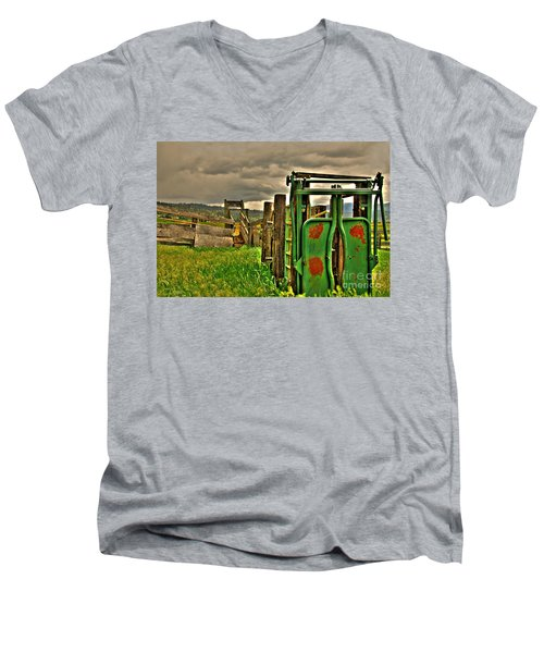 Cattle Chute Men's V-Neck T-Shirt