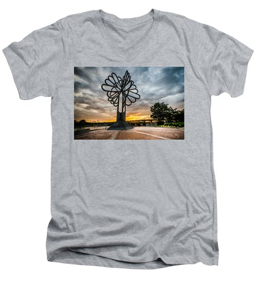 Cedar Rapids Five Seasons Tree At Sunset Men's V-Neck T-Shirt