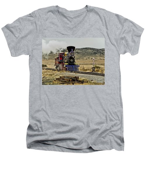 Men's V-Neck T-Shirt featuring the photograph Central Pacific's Jupiter by David Lawson