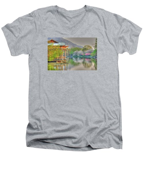 China Lake House Men's V-Neck T-Shirt
