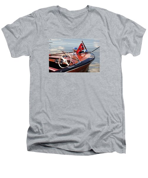 Chris Craft Deluxe Runabout Men's V-Neck T-Shirt