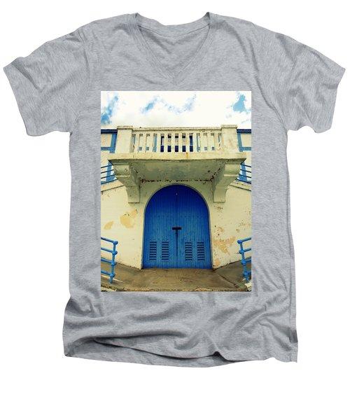 City Island Bath House Men's V-Neck T-Shirt