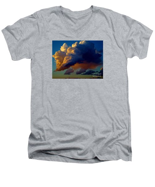 Cloud Family Men's V-Neck T-Shirt