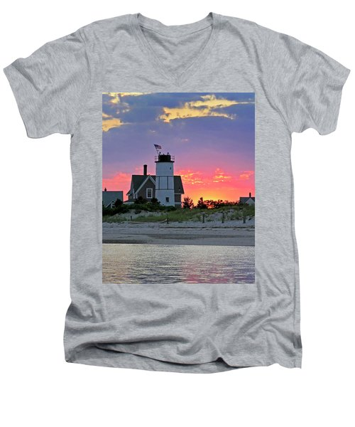 Cocktail Hour At Sandy Neck Lighthouse Men's V-Neck T-Shirt