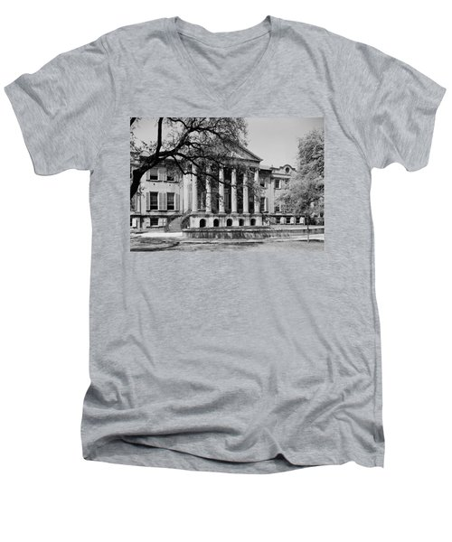 College Of Charleston Main Building 1940 Men's V-Neck T-Shirt