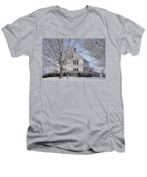 Connecticut Winter Men's V-Neck T-Shirt