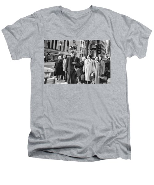 Crossing Manhattan Men's V-Neck T-Shirt