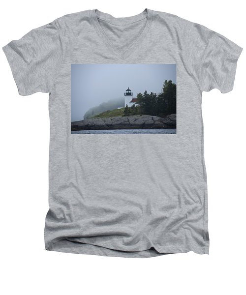 Men's V-Neck T-Shirt featuring the photograph Curtis Island Lighthouse by Daniel Hebard