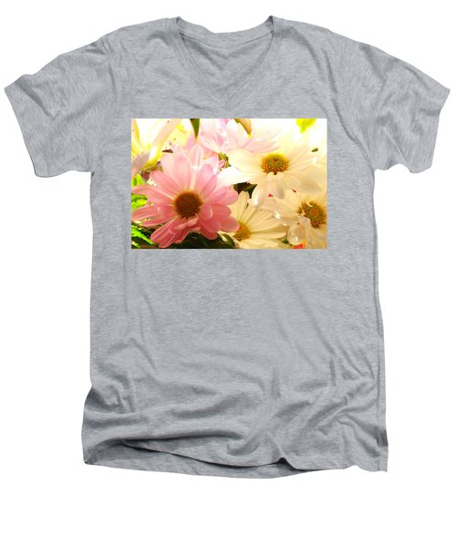 Daisy Magic Men's V-Neck T-Shirt