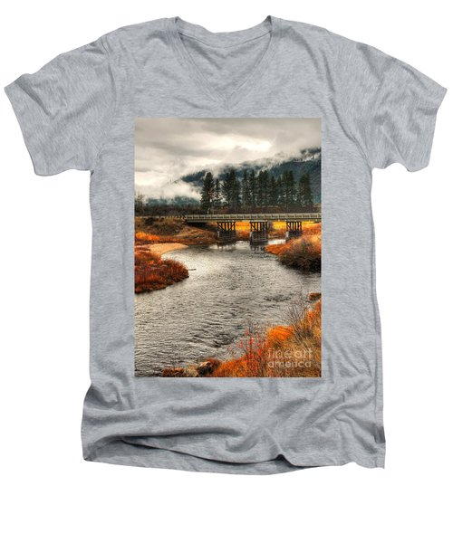Daveys Bridge Men's V-Neck T-Shirt
