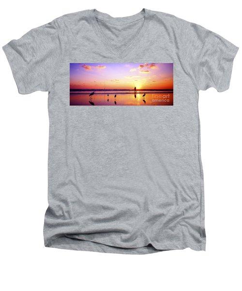Daytona Beach Fl Surf Fishing And Birds Men's V-Neck T-Shirt