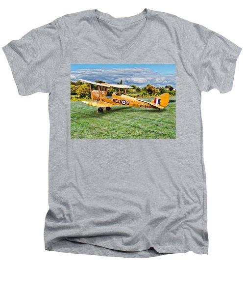 De Havilland Dh82 Tiger Moth Men's V-Neck T-Shirt