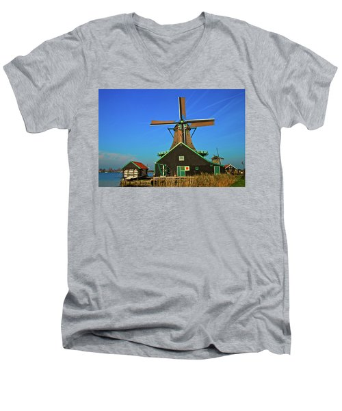 Men's V-Neck T-Shirt featuring the photograph De Kat On De Zaan by Jonah  Anderson