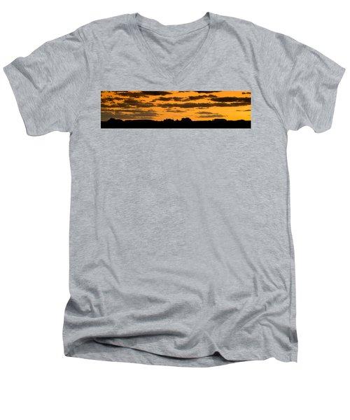 Desert Sky Panorama Men's V-Neck T-Shirt