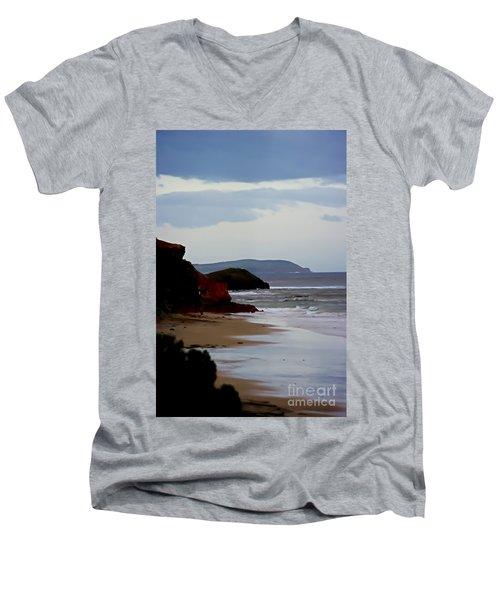 Digital Painting Of Smiths Beach Men's V-Neck T-Shirt
