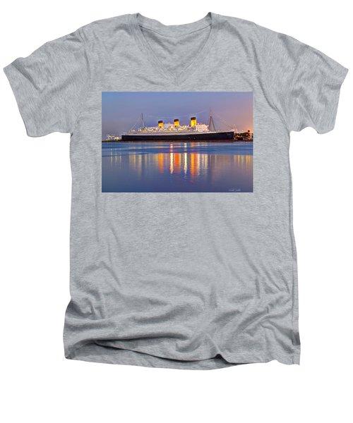 Dusk Light On The Queen Mary Men's V-Neck T-Shirt