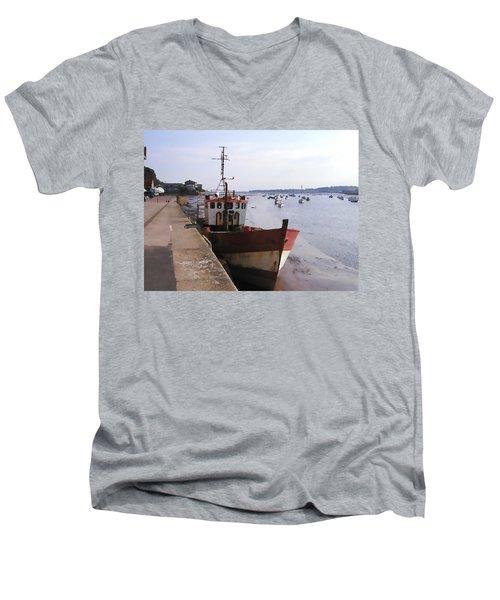 Ebb Tide Men's V-Neck T-Shirt