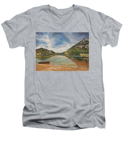 Echo Lake In Franconia Notch New Hampshire Men's V-Neck T-Shirt