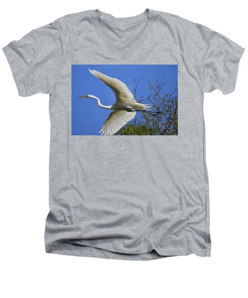Egret Flying Men's V-Neck T-Shirt