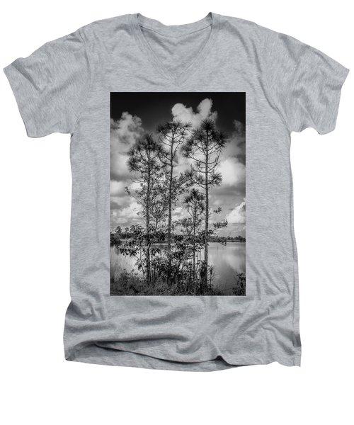 Everglades 0336bw Men's V-Neck T-Shirt