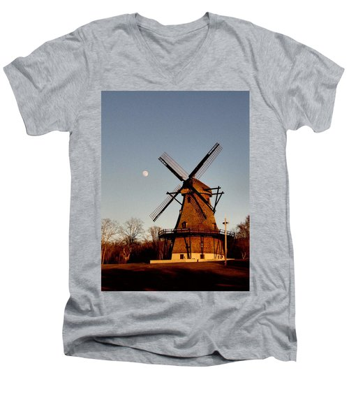 Fabyan Windmill Men's V-Neck T-Shirt